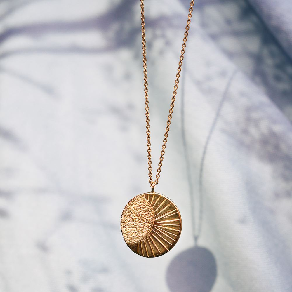 Necklace The tumbler (18k gold)